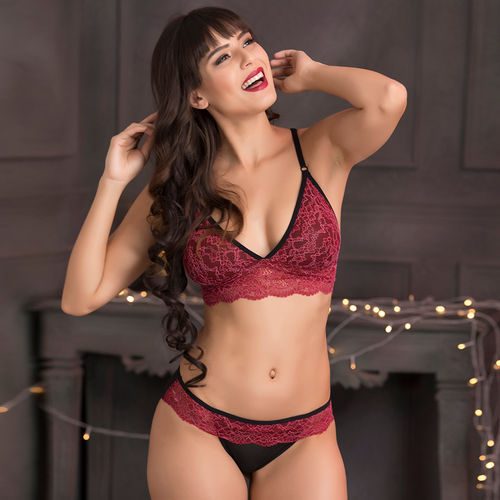 82d8a927655cb Clovia Lace Non-Padded Non-Wired Caged Back Bralette   Bikini Panty -  Maroon at Nykaa.com